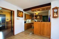 widok na aneks kuchenny w luksusowym apartamencie w okolicach Szczecina na sprzedaż