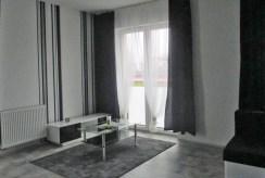 fragment salonu w ekskluzywnym apartamencie do sprzedaży na Mazurach