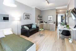 widok na salon w luksusowym apartamencie do sprzedaży w Krakowie