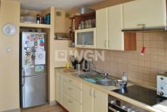 umeblowana i urządzona kuchnia w luksusowym apartamencie w Katowicach na sprzedaż
