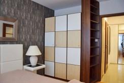 na zdjęciu prywatna sypialnia w luksusowym apartamencie w Słupsku na wynajem