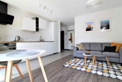 nowocześnie zaprojektowana przestrzeń ekskluzywnego apartamentu do wynajmu w Krakowie