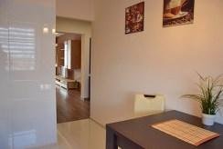 komfortowy przedpokój w luksusowym apartamencie do wynajmu w Słupsku
