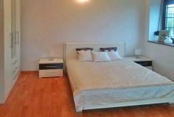 elegancka sypialnia w luksusowym apartamencie w Szczecinie na wynajem