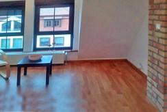 jeden z komfortowych pokoi w ekskluzywnym apartamencie do wynajmu w Szczecinie