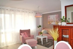 widok na salon w ekskluzywnym apartamencie do wynajmu w Słupsku