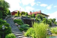 widok od strony ogrodu na luksusową willę w Kwidzynie na sprzedaż