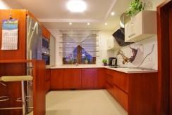 umeblowana i zabudowana kuchnia w luksusowej willi w okolicach Legnicy na sprzedaż