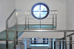dwa poziomy wnętrza ekskluzywnej willi we Wrocławiu na sprzedaż