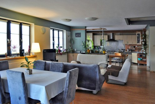 nowoczesne wnętrze ekskluzywnego apartamentu do sprzedaży w okolicach Legnicy