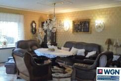 wytworny, elegancki salon w luksusowej willi do sprzedaży w Rawiczu