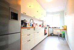 umeblowana kuchnia w luksusowym apartamencie w Szczecinie na sprzedaż