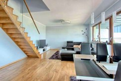 widok na komfortowy salon w luksusowym apartamencie do wynajmu w Szczecinie