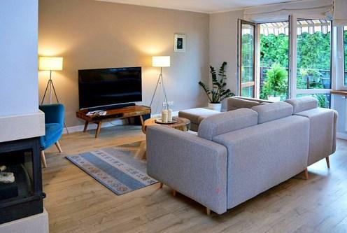 nowoczesny design salonu w luksusowym apartamencie do sprzedaży w Tczewie