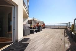 taras z przepięknym widokiem na panoramę miasta w luksusowym apartamencie na wynajem w Szczecinie