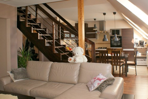 prestiżowy salon w ekskluzywnym apartamencie do sprzedaży w okolicach Legnicy