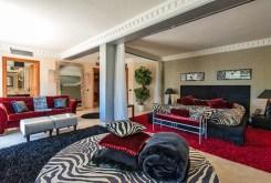 nowoczesny salon w luksusowej willi w Hiszpanii (Costa del Sol, Marbella) na sprzedaż