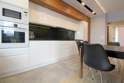 zabudowana kuchnia w luksusowym apartamencie na wynajem Kraków