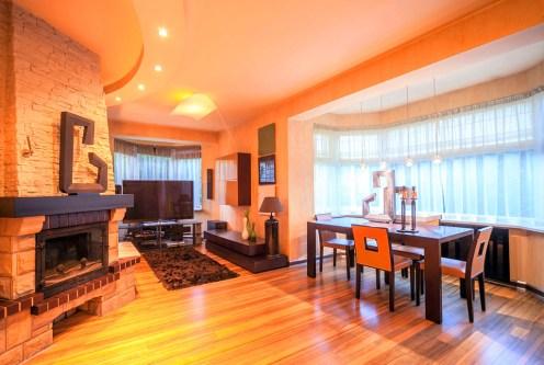 przestronny i komfortowy salon w ekskluzywnej willi do sprzedaży Kraków