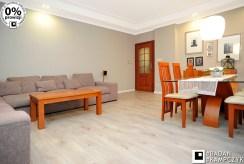 fragment salonu oraz jadalni w luksusowym apartamencie do sprzedaży Katowice (okolice)