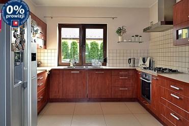 stylowo urządzona i umeblowana kuchnia w luksusowej willi do sprzedaży Bolesławiec
