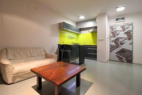 przestronne wnętrze luksusowego apartamentu do wynajęcia Kraków