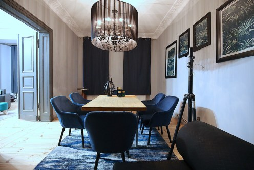 eleganckie wnętrze salonu w ekskluzywnym apartamencie do wynajęcia Szczecin