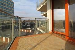 taras z widokiem na okolicę w luksusowym apartamencie do sprzedaży Kraków