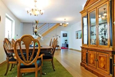 przestronne, eleganckie wnętrze luksusowej willi do sprzedaży Wrocław (okolice)