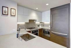 zabudowana kuchnia w luksusowym apartamencie do sprzedaży Grudziądz