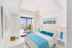 komfortowa sypialnia w luksusowym apartamencie do sprzedaży Hiszpania (Costa del Sol)