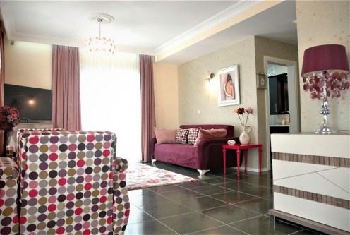 nowoczesny salon w ekskluzywnym apartamencie do sprzedaży Turcja