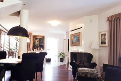 widok z oddali na salon w luksusowej rezydencji do sprzedaży Częstochowa (okolice)