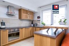 zabudowana kuchnia w ekskluzywnym apartamencie do sprzedaży Gdynia