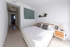 komfortowa sypialnia w luksusowym apartamencie do sprzedaży La Zeni (Hiszpania)