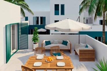 widok na ogromny taras przy ekskluzywnym apartamencie do sprzedaży Hiszpania (Costa Blanca, Orihuela Costa, Playa Flamenca)