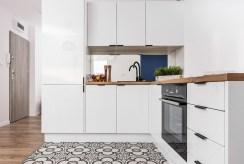 zabudowana nowocześnie kuchnia w apartamencie do sprzedaży Kraków
