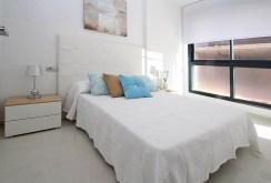 zaciszna, prywatna sypialnia w luksusowym apartamencie do sprzedaży Torreviej (Hiszpania)