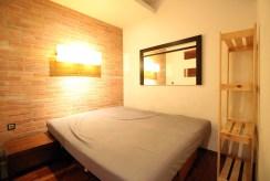 zaciszna sypialnia w luksusowym apartamencie na sprzedaż Kraków