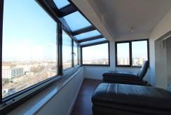 imponujący widok z okien luksusowego apartamentu do sprzedaży Kraków