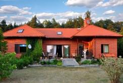 widok od strony tarasu na luksusową willę na sprzedaż Wrocław (okolice)