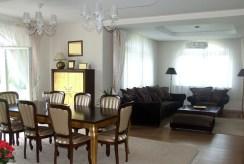 komfortowy i prestiżowy salon w luksusowej willi do sprzedaży Legnica (okolice)