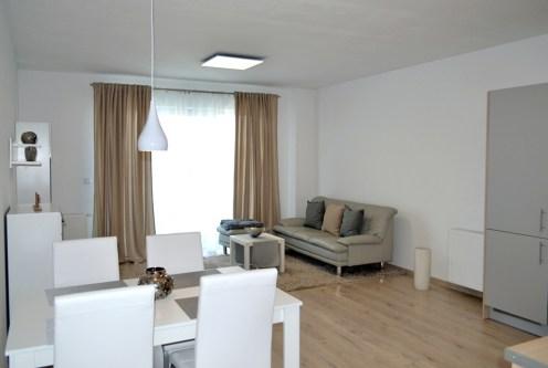 gustownie zaaranżowany salon w ekskluzywnym apartamencie do wynajęcia Bolesławiec