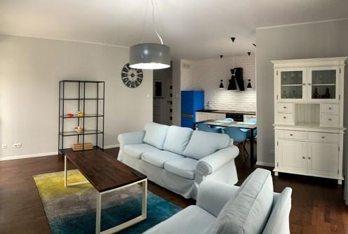 komfortowe wnetrze salonu w ekskluzywnym apartamencie do wynajęcia Konin