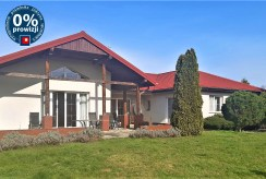 widok od strony ogrodu na luksusową willę na sprzedaż Wrocław