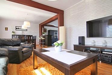 elitarny pokój dzienny w luksusowej willi do sprzedaży Sieradz (okolice)