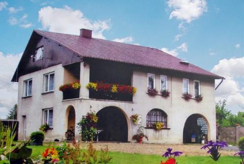 frontowa elewacja luksusowej willi na sprzedaż Częstochowa (okolice)