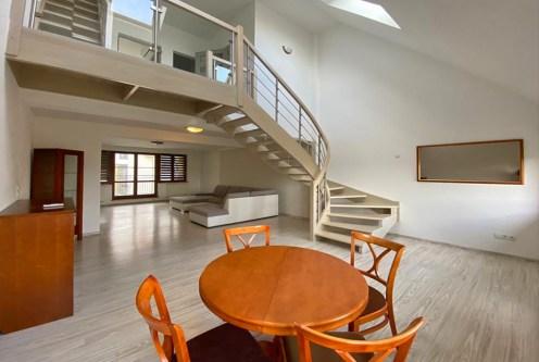 2-poziomowe wnętrze ekskluzywnego apartamentu do wynajęcia Szczecin