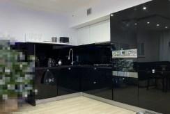 widok na kuchnię w ekskluzywnym apartamencie do sprzedazy Szczecin