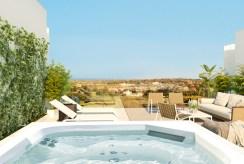taras z basenem przy luksusowej willi na sprzedaż Hiszpania (Sotogrande, Kadyks)